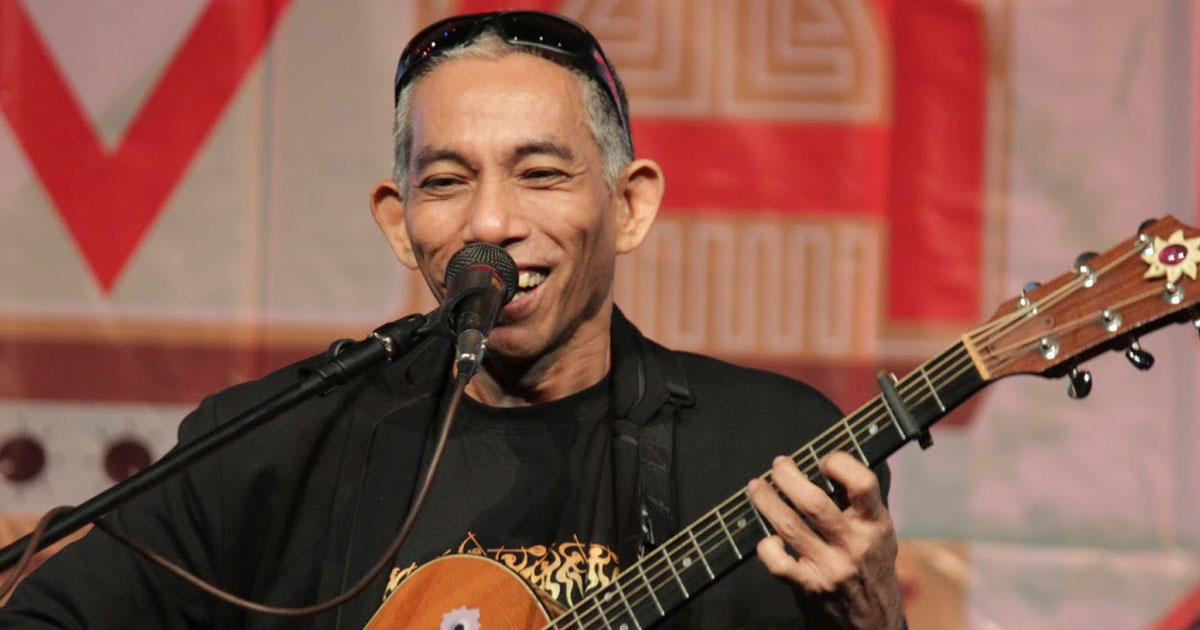 joey ayala Lupa't langit (joey ayala bagong lumad) panganay ng umaga more joey ayala listen to 16 love songs now listen to 16 love songs in full in the spotify.